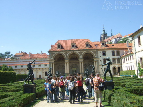 Palacio en praga 1 for Jardines wallenstein